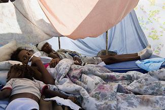 Survivors of Haiti Quake Rest in Makeshift Shelter bu United Nations