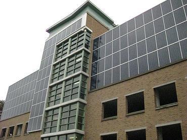 IMG_4522 solar parking garage at Sunnybrook by eastpole