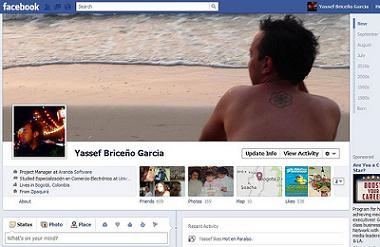 Facebook Timeline by Yassef via Flickr